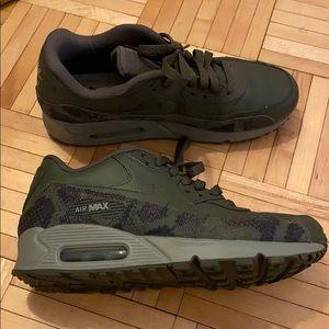 Size 8 Camo Nike AirMax